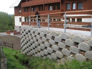 svahová zeď Albrechtice